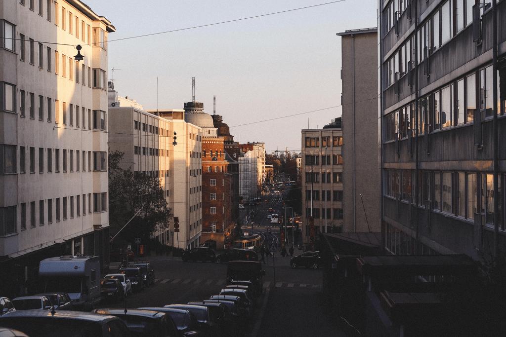 Kuva tunnelmallisesta Helsingistä aamutuimaan.